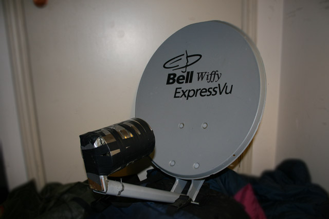 building the wifi parabolic antenna from 39 wiffy extreme 39 w3bguru. Black Bedroom Furniture Sets. Home Design Ideas